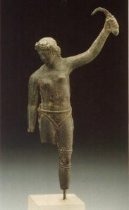 5d9f6-female-gladiator-statue